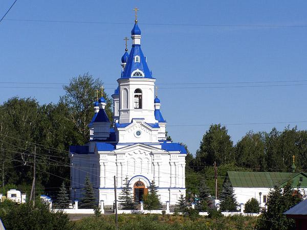 Екатерининский храм - здесь отпевали новомучеников