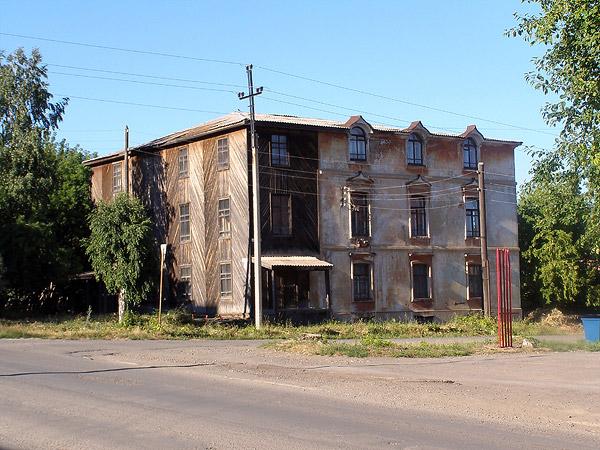 жилой дом на центральной улице