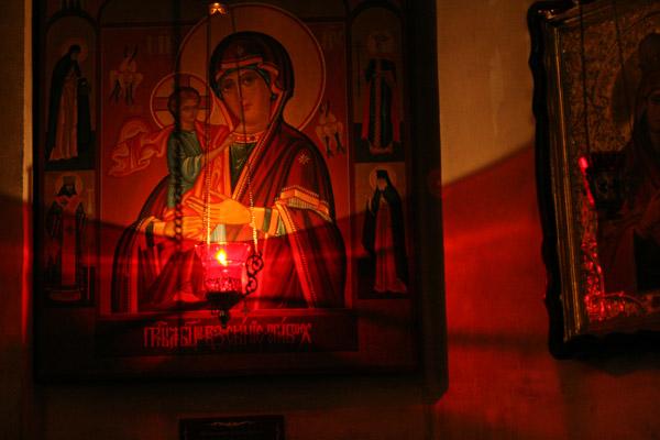 Моление теплое и стена необоримая, милости источниче...