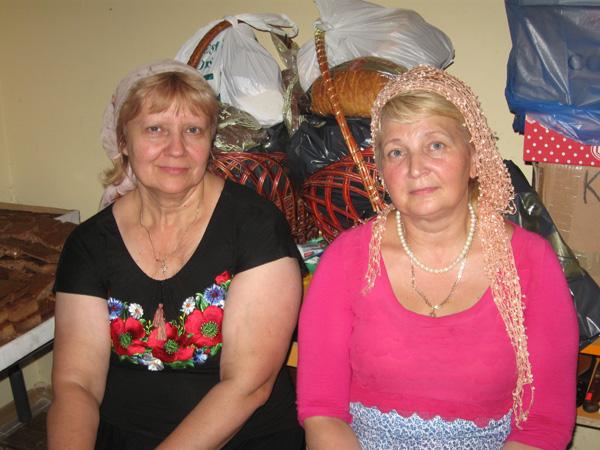 Наши дорогие бессменные Марфы -  матушка Любовь и Людмила Шпента