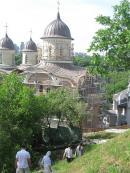Храм Рождества Богородицы у Зверинецких пещер